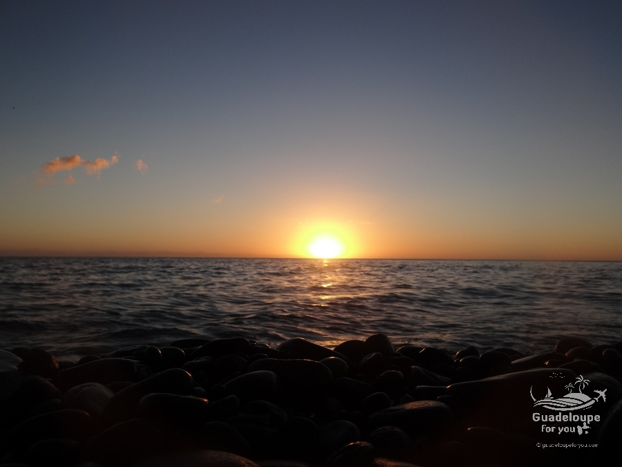 sunset-simao-beach-Vieux-Habitants-3-guadeloupe